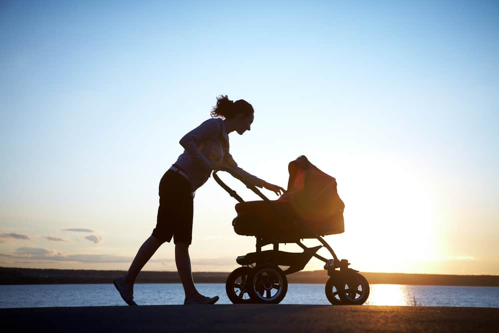 fixed wheel vs swivel jogging stroller